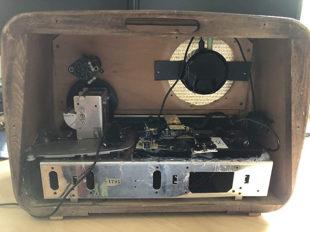 The insides of the vintage radio